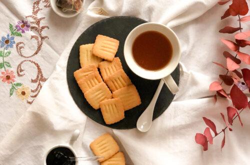 Biscotti alla quinoa con farina di riso e di mais senza lattosio con burro chiarificato
