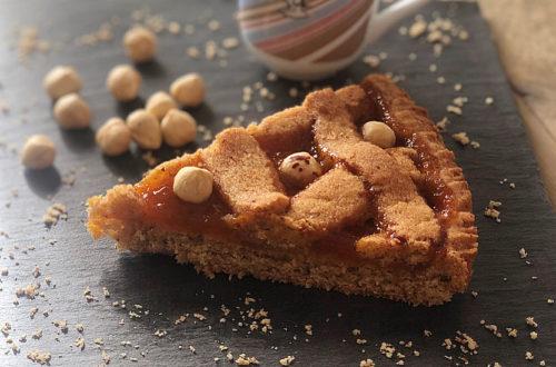 Linzer Torte con nocciole e marmellata di albicocche, con farina di grano saraceno