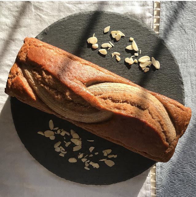 Banana bread senza latticini con farina di riso integrale e di cocco