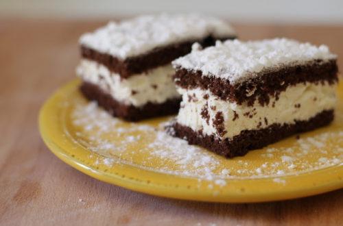 Merendine torta fetta al latte senza lattosio, con farina di riso, panna e cacao