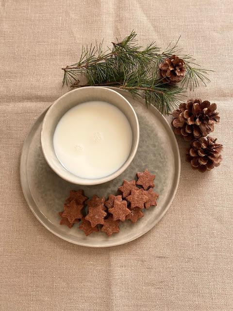 Biscotti di Natale alle mandorle e cioccolato