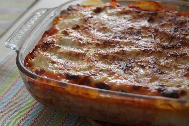 Lasagne con ragù e bechamel senza lattosio, con farina di riso e farina di sorgo