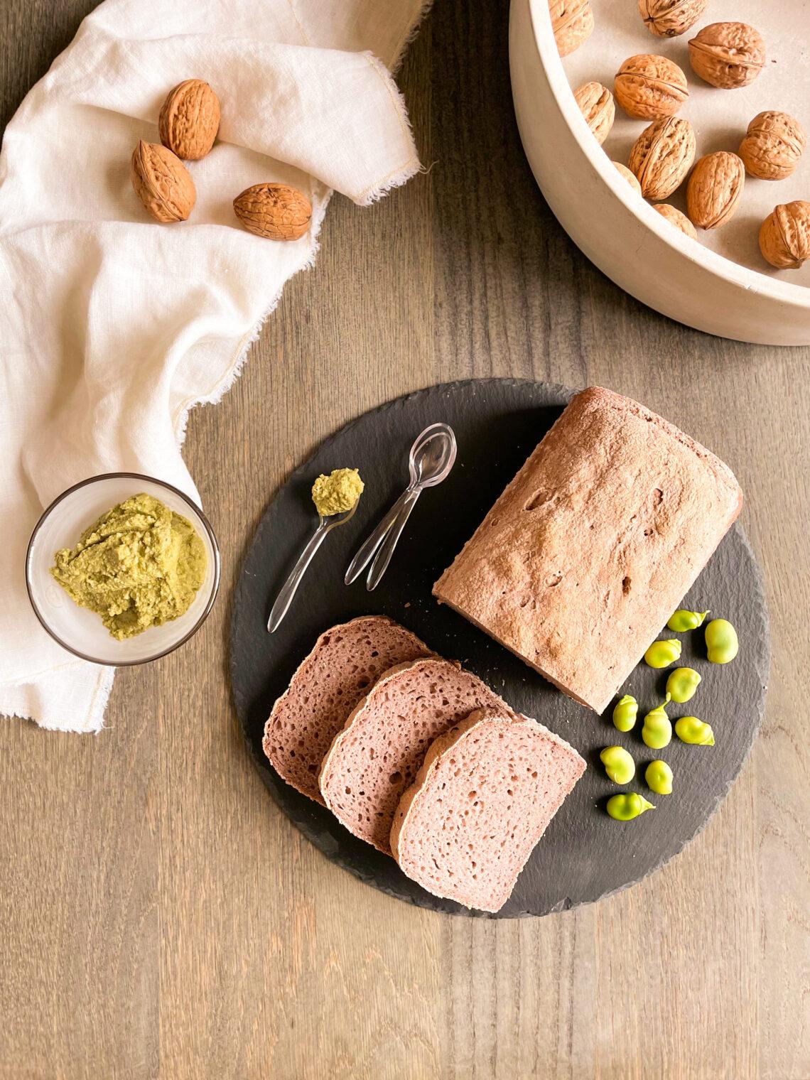 Pancarrè integrale con farina di riso integrale, farina di teff, farina di quinoa e con acqua di cavolo viola